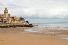 playa de san lorenzo gijon asturias -