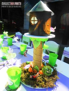 Table decor at a Tinkerbell Party #tinkerbell #partydecor