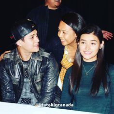 """""""The kind of feeling only Lizquen can unveil, that's the story this photo tells.  #PushAwardsLizQuens #lizquenincanada #lizquen #mayforever #forevermore…"""""""