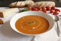 Tomatová polévka Tomato Soup, Kitchenette, Perfect Food, Thai Red Curry, Quinoa, Gluten Free, Healthy, Ethnic Recipes, Soups