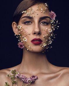 Art Photography Portrait, Makeup Photography, Creative Photography, Photography Poses, Flower Makeup, Beauty Shoot, Fashion Photography Inspiration, Beauty Portrait, Contemporary Photography