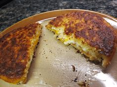 Grilled cheese does not have to be a thing of the past on Keto! It's easy to use cauliflower toast to fry one of these up in no time. I have 2 different cauliflower toasts that I Oute… Loaf Bread Recipe, Bread Recipes, Sandwich Thins, Bread Substitute, Cheese Toast, Cauliflower Cheese, Grass Fed Butter, Vegetarian Food, Grilling
