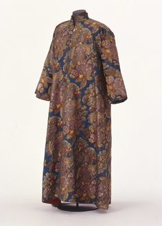 Dressing gown (banyan) was owned by the Margrave of Baden, 1735-1740, Silk (Lampas) Landesmuseum Württemberg