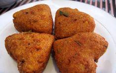 Aloo Tikki (polpette di patate) - Le Aloo Tikki  sono delle polpette di patate e piselli tradizionali nella cucina indiana, piacevolmente aromatizzate da spezie ed erbe.