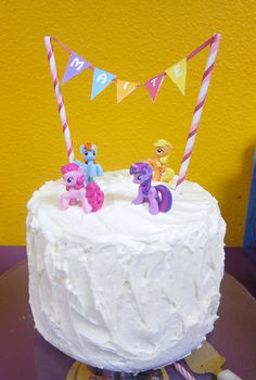 My Little Pony themed birthday cake. (Jessica, I think you might get this for your b-day) ;)