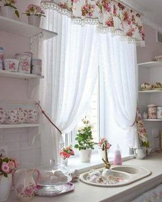 20 Shabby Chic Kitchen decor ideas for 2020 - Hike n Dip - - Planing to remodel your kitchen? Here is the best DIY DIY Shabby Chic Kitchen decor ideas for These Kitchen decor ideas are cute, soft and awesome. Shabby Chic Kitchen Curtains, Country Kitchen Curtains, Shabby Chic Living Room, Living Room Modern, Cortinas Shabby Chic, Curtain Inspiration, Rideaux Design, Trendy Bedroom, Decoration Table