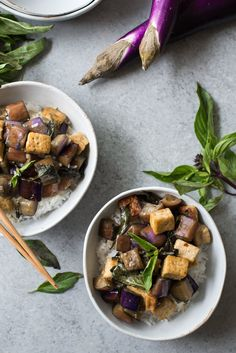 Vegan stir-fried garlic tofu and eggplant is what is missing from meatless Monday! Made with tons of TASTY vegetarian ingredients like oyster sauce, Shaoxing wine, soy sauce, cornstarch, rice vinegar, red pepper flakes, tofu, eggplant, garlic, and thai basil