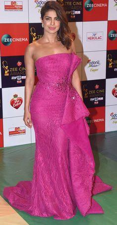 Zee Cine Awards Priyanka Chopra, Alia Bhatt, Katrina Kaif dazzle on the red carpet Indian Bollywood Actress, Beautiful Bollywood Actress, Most Beautiful Indian Actress, Indian Actresses, Priyanka Chopra Dress, Priyanka Chopra Images, Pink Satin Dress, Pink Gowns, Hot Images Of Actress