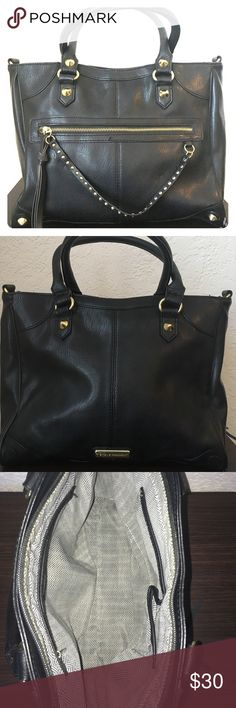 Steve Madden Black Leather Purse w/ Gold Hardware Steve Madden Black leather purse with gold hardware. Great for any casual look. Good condition. Steve Madden Bags Shoulder Bags