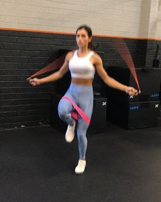 Jump Rope Workout 1. 60seconds 2. 60seconds 3. 30seconds each side 4. 60seconds 3-4 rounds www.alexia-clark.com #alexiaclark…