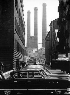 Barcelona, 1962, El reto industrial. Avenida del Paralelo-Calle Abad Safont. Fotografía: Eugenio Forcano.