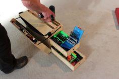 Werkzeugkiste, Montagekiste für Tischler/Schreiner ca 53,6 x 25,6 x 31,5cm - Leer ca 7kg Multiplex, Poliamid-Riemen, Schloss und Beschläge Holz geölt