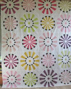 Geta's Quilting Studio: Dresden Quilt Top Done Circle Quilts, Quilt Top, Quilt Blocks, Star Blocks, Quilt Kits, Dresden Quilt, Quilting Projects, Quilting Designs, Sewing Projects