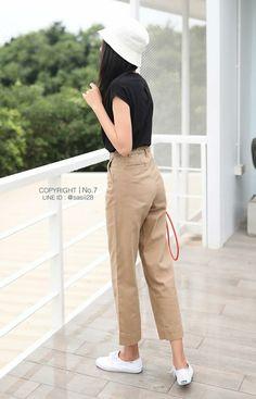 Keds Champion, Khaki Pants, Capri Pants, Cute Outfits, Clothes, Style, Fashion, Capri Trousers, Tall Clothing