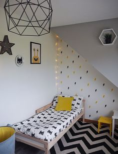 Cool, modern bedroom for kids. Kids bedroom on a budget. Yellow and grey in a childs bedroom Kids Bedroom Boys, Boy Toddler Bedroom, Childs Bedroom, Kid Bedrooms, Childrens Bedrooms Boys, Cool Kids Bedrooms, Young Boys Bedroom Ideas, Yellow Bedrooms, Boy Girl Bedroom