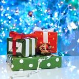 Experience a stress-free christmas and simplify your holidays next year! 5 simple ways to get organized now for next Christmas.