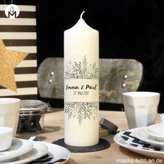 moderne und individuelle Hochzeitskerze Hochzeit machs-licht-an individuell Stumpenkerze selbstgemacht Standesamt Kirche Hochzeitsbrauch Geschenk Dekoration Kerze deko Trauung Trauspruch Kerzenshop #machs-licht-an schwarz Black weiß white Blumen schlicht