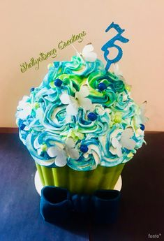 Big Cupcake, Giant Cupcakes, Little Cakes, Cookie Desserts, No Bake Cake, Cake Ideas, Frosting, Snacks, Cookies