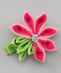 love this flower design