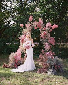 Wedding Ceremony Ideas, Ceremony Backdrop, Wedding Trends, Wedding Designs, Wedding Styles, Wedding Blog, Deco Floral, Floral Arch, Floral Design