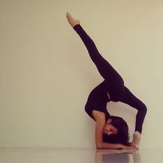 Yoga goal for myself! Yoga Flow, Yoga Meditation, Swing Yoga, Cheer Flexibility, Yoga Fitness, Health Fitness, Yoga Pictures, Yoga Music, Yoga Positions