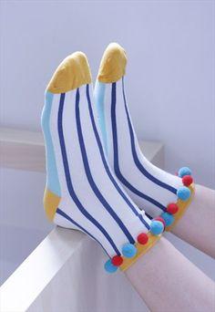 les bas qui ont le plus d'attitude que j'ai jamais vu de ma vie     Pom+Pom+Stripe+Print+Sock