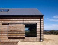 The Hill Plain House,Victoria, Australia by Wolveridge Architects