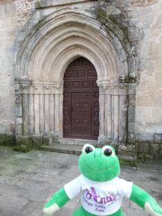 Ando en la Portada del Monasterio Cisterciense de Carrizo.