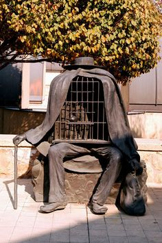 René Magritte, Le Thérapeute on ArtStack #rene-magritte #art