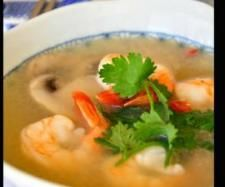 Recipe 10 Minutes Authentic Clear Tom Yum Goong by chinsk - Recipe of category Soups