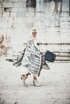 Wondering what to wear? Find outfit ideas, shopping, and street style inspiration to help you get. Festival Must Haves, Blanket Coat, Western Chic, Street Snap, White Outfits, Get Dressed, Street Style Women, Grey And White, What To Wear
