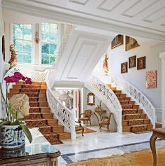 37 Amazing Double Staircase Design Ideas With Luxury Look - When building a house with two or more floors, one of the most important aspects to consider is the placement and style of the staircase. The staircas. Architectural Digest, Double Staircase, Trendy Home Decor, Staircase Design, Staircase Ideas, Home Decor Inspiration, Home Interior Design, Decoration, Luxury Homes