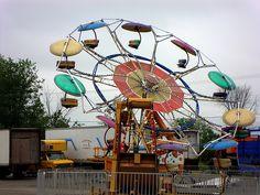 paratrooper midway ride at county fair Amusement Park Rides, Abandoned Amusement Parks, Best Memories, Childhood Memories, Carnival Images, Fair Rides, Carnival Rides, Fun Fair, Vintage Carnival