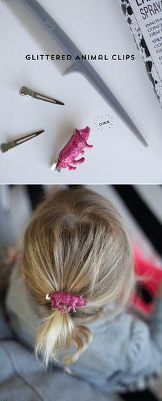 Mar gheall ar a bhfuil agus nach n-éilíonn muca bándearg glittery ina bhfuil a gcuid ponytail ? Crafts To Make, Fun Crafts, Diy For Kids, Crafts For Kids, Diy Keychain, Plastic Animals, Diy Ribbon, Diy Hair Accessories, Looks Cool