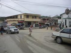 """""""incrocio"""", Cayo/San Ignacio, Belize. 3° riScatto urbano di Alma Lea. Saranno conteggiati i """"Mi piace"""" al seguente post:  https://www.facebook.com/photo.php?fbid=10153065135203027&set=o.170517139668080&type=3&theater"""