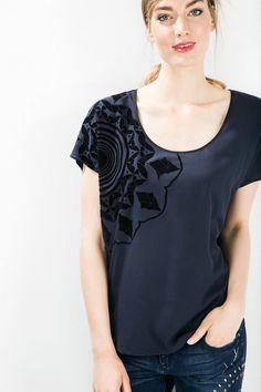 Short-sleeved blue T-shirt | Desigual.com