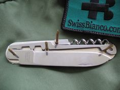Folder Design, Construction Tools, Victorinox Swiss Army, Knife Making, Folding Knives, Swiss Army Knife, Yolo, Plans, Gadget