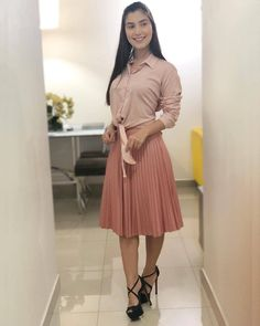 Long Skirt Outfits, Modest Outfits, Classy Outfits, Fashion Wear, Modest Fashion, Fashion Outfits, Womens Fashion, Dress Skirt, Pleated Skirt