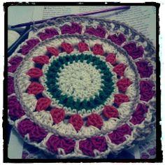 Crochet Mandala / Mandala em crochê. Linha 100% algodão, DUNA, da circulo.