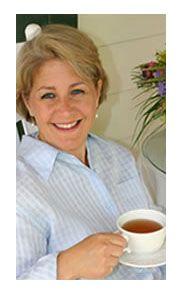 Lisa of Lisa Knows Tea is a blogging friend!
