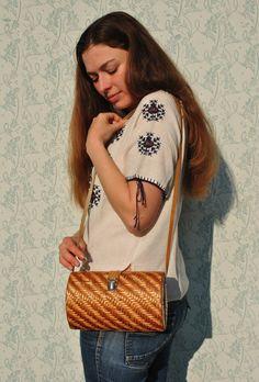 Wicker bag, wicker purse, wicker shoulder bag, wicker handbag, vintage wicker bag, small wicker bag, small wicker purse, natural wicker bag