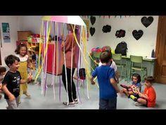 Paraguas Musical - YouTube Music For Kids, Kids Songs, Games For Kids, Activities For Kids, Movement Preschool, Video Gospel, Gym Music, Service Learning, Gross Motor