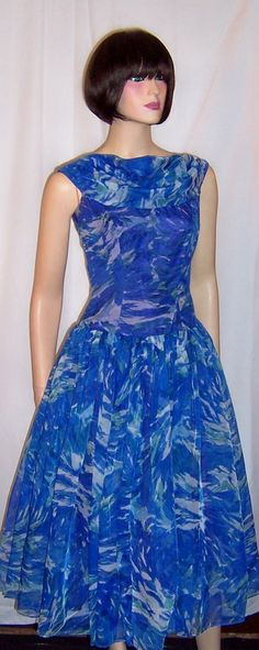 #1950's Cobalt Blue & Turquoise Floral Printed Cocktail #Dress. #vintage #dresses