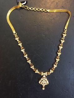 Gold Earrings Designs, Gold Jewellery Design, Bead Jewellery, Necklace Designs, Diamond Jewelry, Gold Jewelry, Small Necklace, Stone Necklace, Gold Necklace