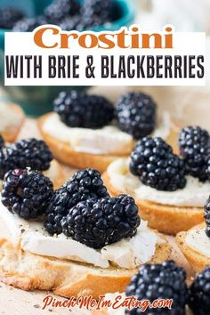 For an easy and elegant appetizer, serve homemade crostini with brie and fresh blackberries. Prep time is only five minutes but the flavor is unforgettable! When you're having people over for dinner or just to hang out for a bit, it's nice to be able to give them a little something to nosh on when they arrive. | Pinch Me I'm Eating @pinchmeimeating #crostini #fallappetizers #easyelegantappetizers #christmasappetizers #thanksgivingappetizers #appetizers #dinnerparty #fingerfoods #pinc Easy Appetizer Recipes, Yummy Appetizers, Appetizers For Party, Brunch Recipes, Party Recipes, Party Snacks, Gourmet Recipes, Snack Recipes, Thanksgiving Appetizers