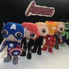 Apostila Digital dos Vingadores no Elo7 | Ateliê Ticia Reis (FCA288) Hulk, Thor, Mario, Fictional Characters, Black Widow, Sterling Archer, Iron Man, Felt Puppets, Avengers