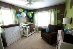 chambre bebe design marron vert