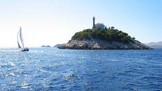небо море остров скала маяк лодка парус