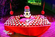 Cake and cupcakes for celebrity wedding planner Donnie Brown's book signing www.annacakes.com