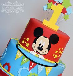 Mickey Mouse clubhouse cake by K Noelle Cakes Más Bolo Do Mickey Mouse, Fiesta Mickey Mouse, Mickey Mouse First Birthday, Theme Mickey, Mickey Mouse Clubhouse Birthday Party, Mickey Mouse Parties, Minnie Mouse Cake, Disney Parties, Boys 1st Birthday Cake